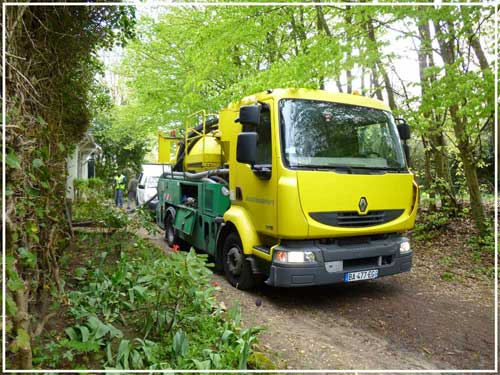 camion pompe paris, debouchage canalisation paris